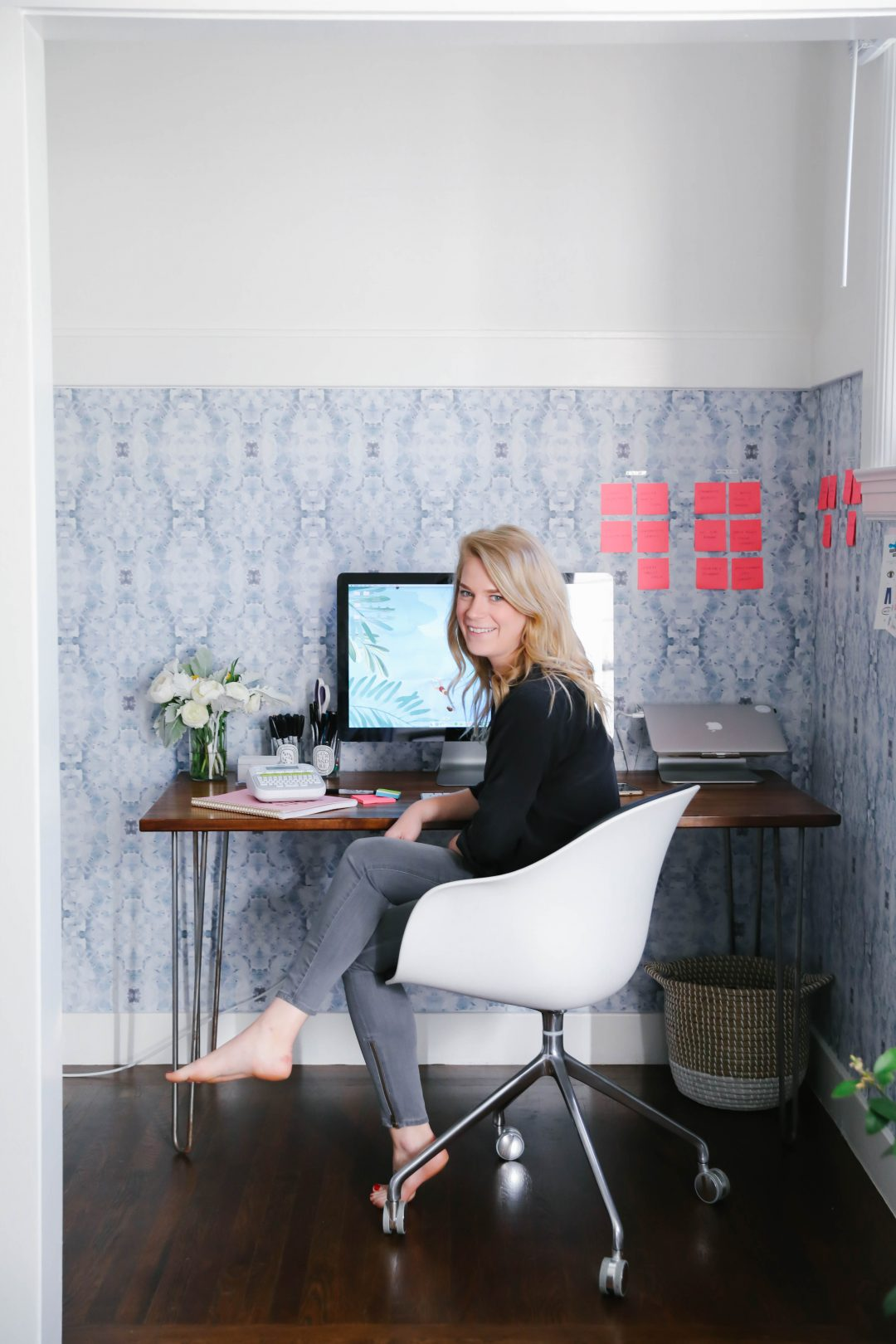 4 Office Organization Tricks for Bloggers.