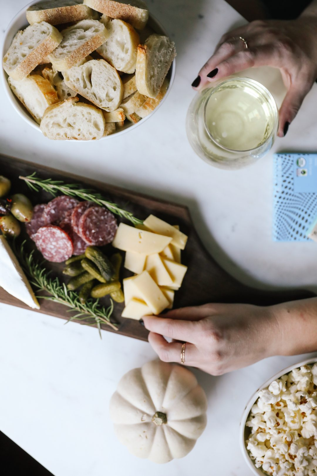 How to Throw an Easy Girls Night with Rueda Wines.